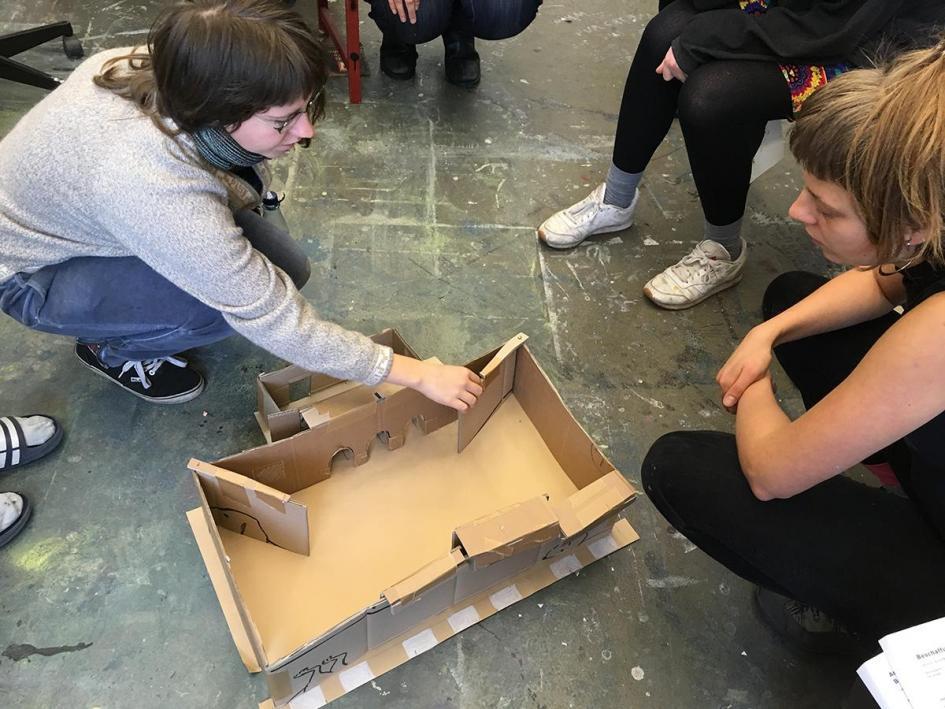 Ausstellungsvorbereitung: Arbeit am Raummodell
